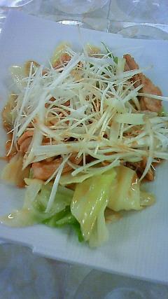 キャベツと蒸し鶏の中華サラダ
