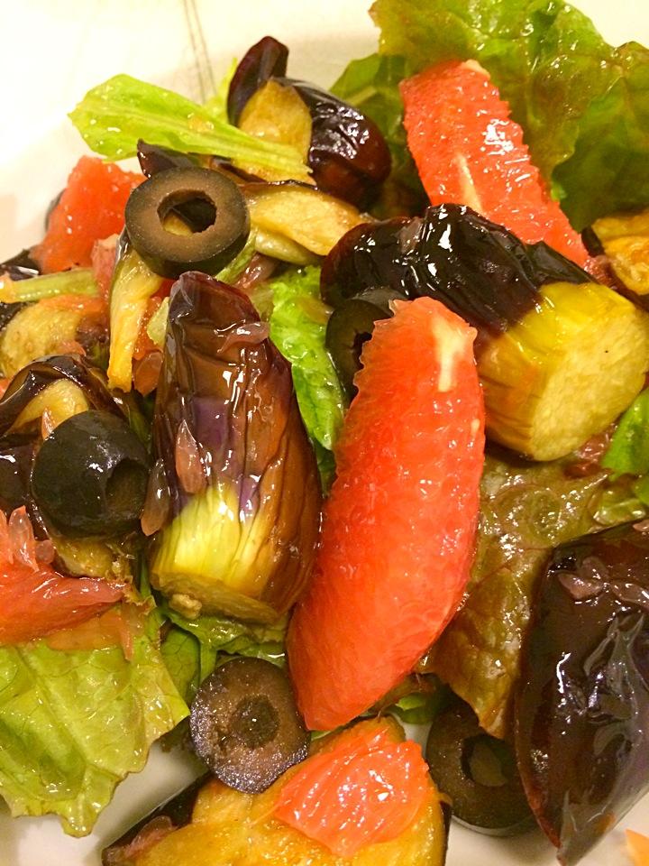 揚げ茄子とグレープフルーツのサラダ